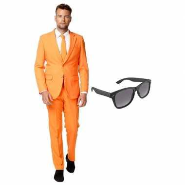 Carnaval oranje heren kostuum maat (xxl) gratis zonnebril