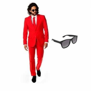Carnaval rood heren kostuum maat (m) gratis zonnebril
