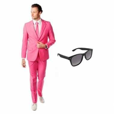 Carnaval roze heren kostuum maat (xl) gratis zonnebril