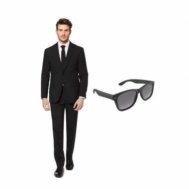 Carnaval zwart heren kostuum maat (l) gratis zonnebril