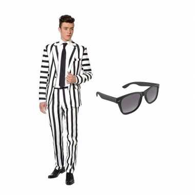 Carnaval zwart/wit gestreept kostuum maat (xl) gratis zonnebril